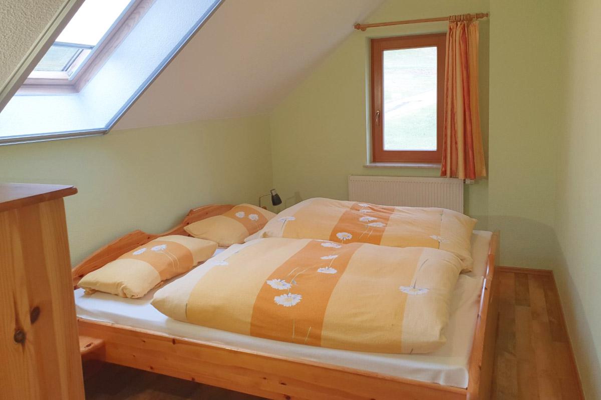 Ferienwohnung Morgensonne - Schlafzimmer mit Doppelbett
